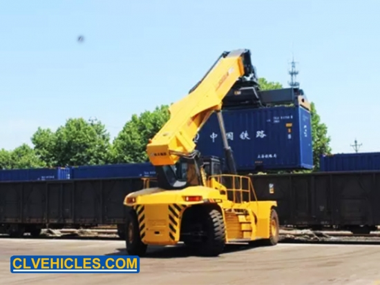 Port Reach Stacker