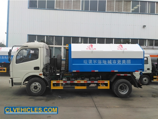 Roll arm Garbage truck